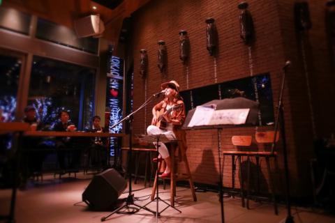 1月13日(金)スターバックスコーヒー ミュージックライブ